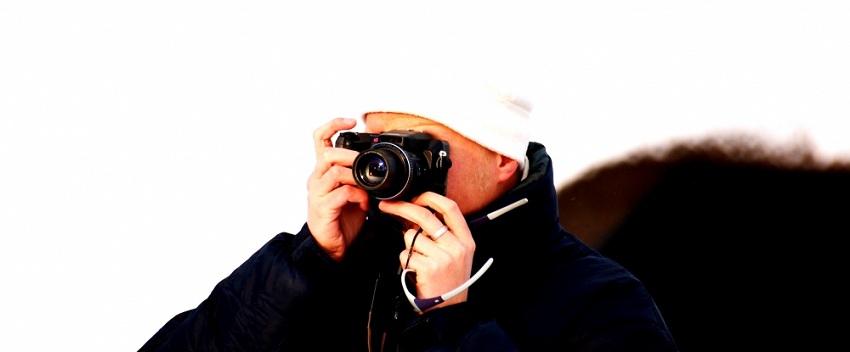 Immer mehr Fotointeressierte nutzen neben ihrer Spiegelreflexkamera, die sie hegen und pflegen die günstigeren Kompaktkameras, die nicht nur kleiner und somit auch handlicher sind, sondern auch teilweise extremen Witterungen trotzen...